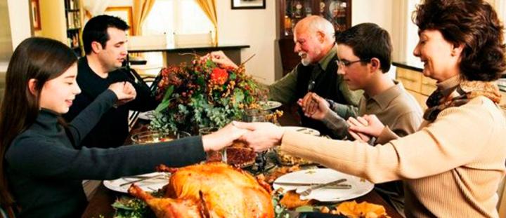 Acción de gracias familia y pavo